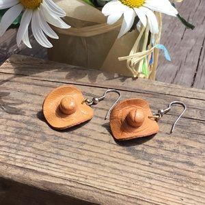 Earrings: Costume Jewelry